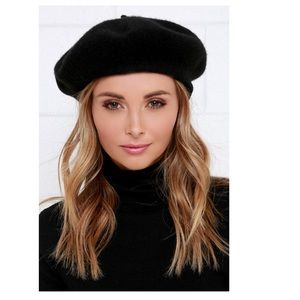 Vtg 90s Black wool felted beret hat